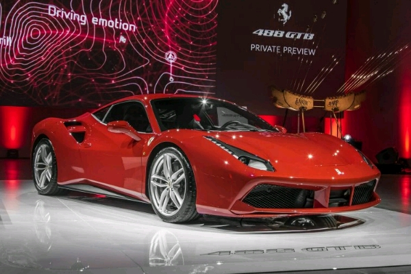 ferrari-debuted-the-488-for-north-america-in-new-york-last-year_crop_600x400