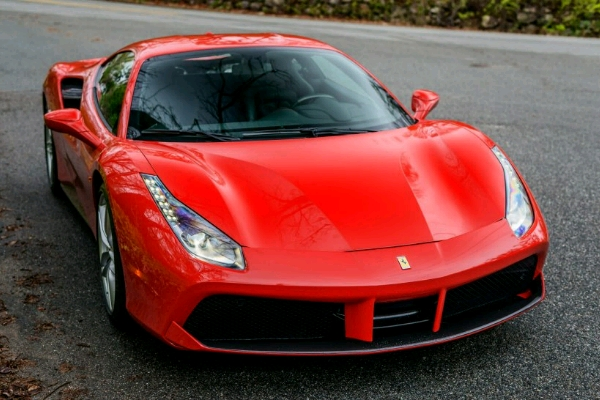 the-front-end-the-front-aligns-the-488-visually-with-ferraris-laferrari-hypercar_crop_600x400