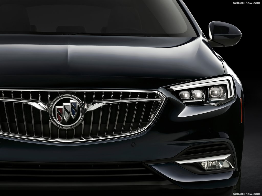 buick-regal_sportback-2018-1024-06
