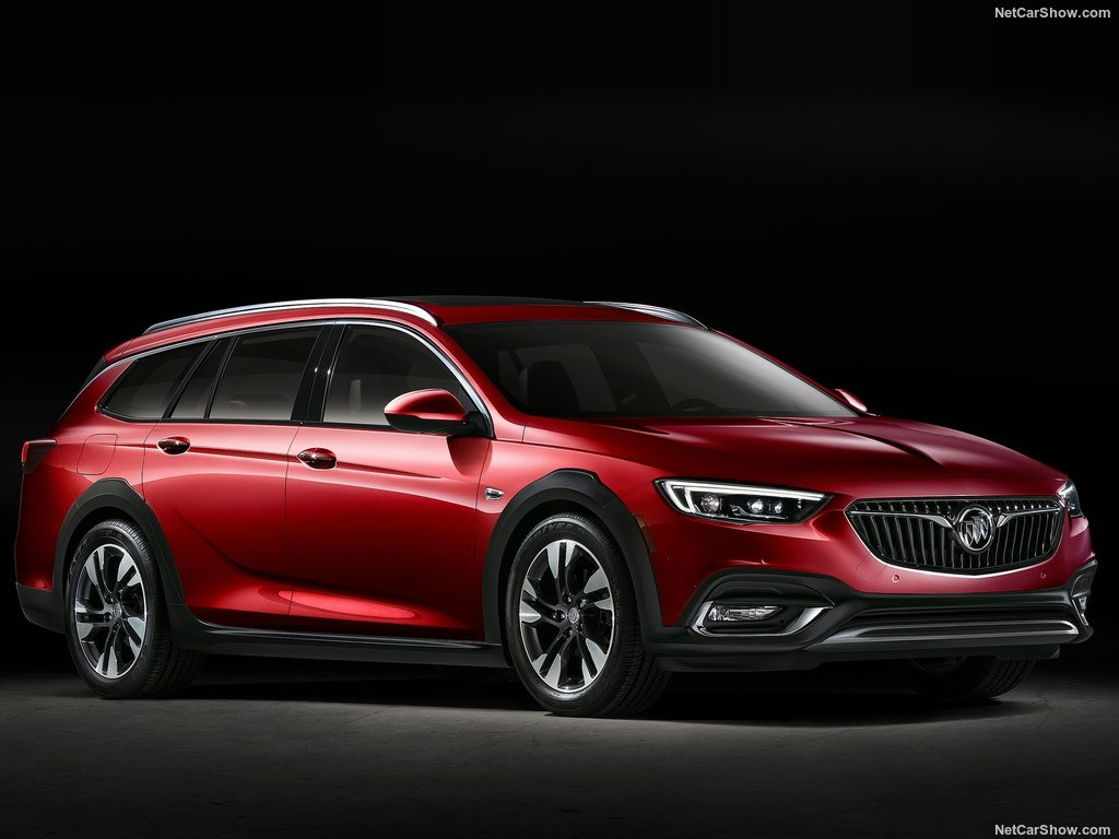 buick-regal_tourx-2018-1024-04