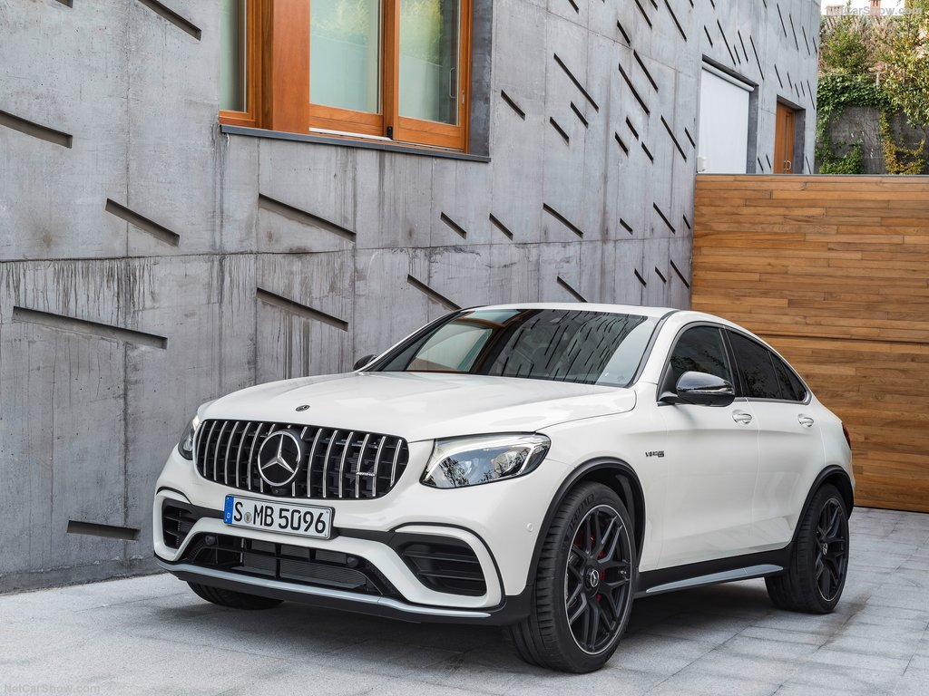mercedes-benz-glc63_s_amg_coupe-2018-1024-02